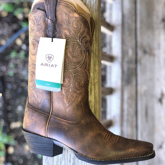 a315ba2bde6 ARIAT Women's Round Up Square Toe Boot NWT